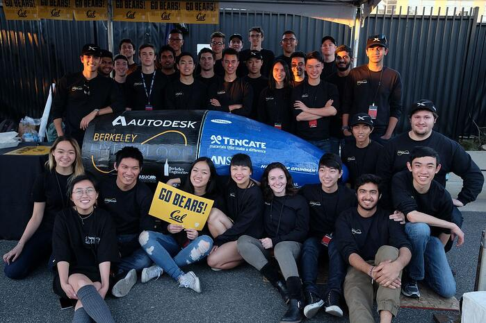 The bLoop team's vision of the Hyperloop transportation pod