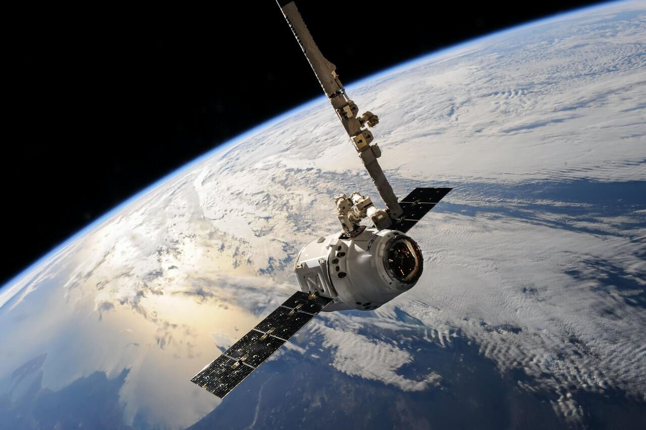 spacex-satellite
